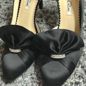 Oscar De La Renta Black Silk Jeweled Heels 37
